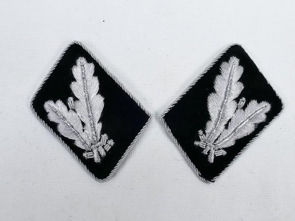 Pair of WSS rank badges / collar patches Oberführer / Oberstleutnant -flat design-
