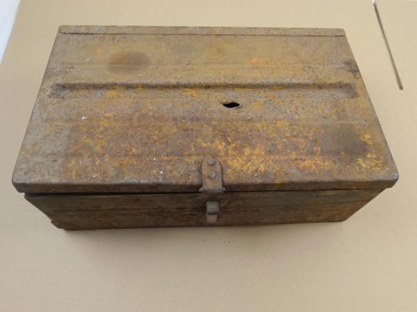 WW2 British Army Bren machine gun ammunition box with 12 Bren MG magazines