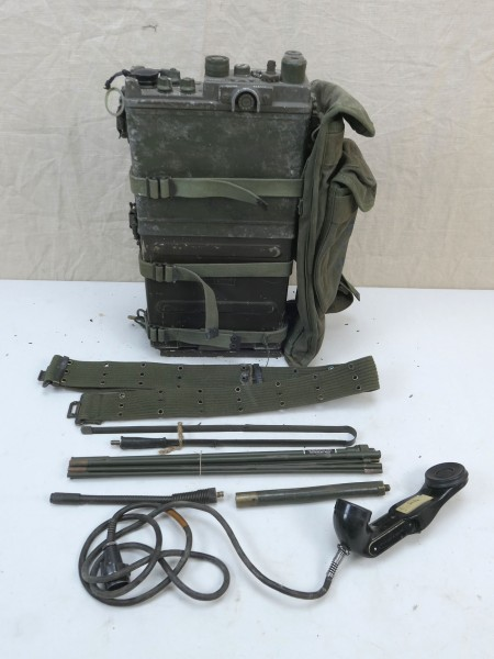 US ARMY RADIO RADIO RECEIVER VIETNAM PRC-10 + Accessories WILLYS JEEP #15