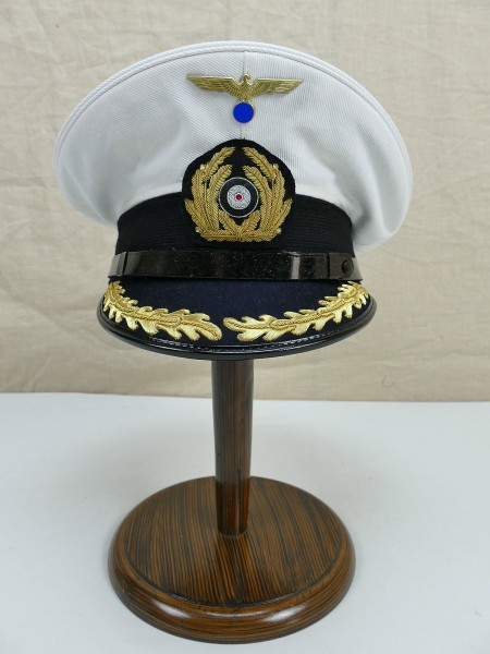 Kriegsmarine White visor cap for a naval officer captain with effects Gr.59