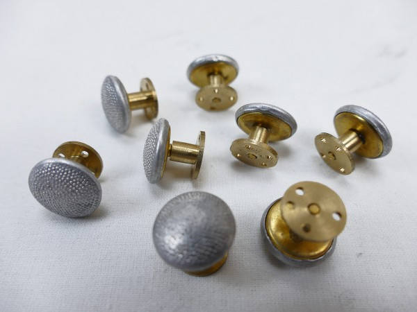 Wehrmacht 1pc. screw button button for shoulder pieces, 15mm