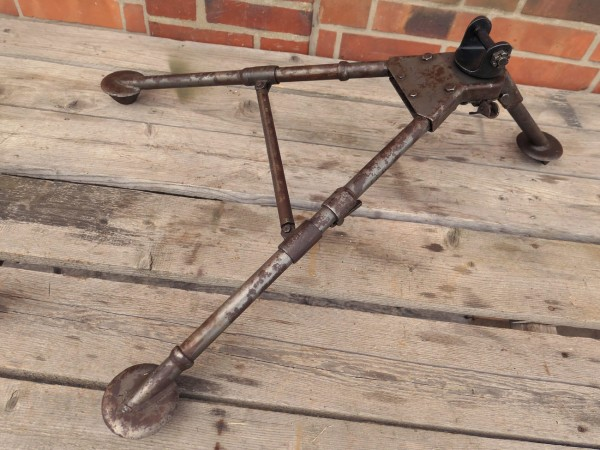 WW2 Mount Tripod for Browning Cal.30 M2 Tripod Earth Carriage + Pintle / Attachment / Pivot
