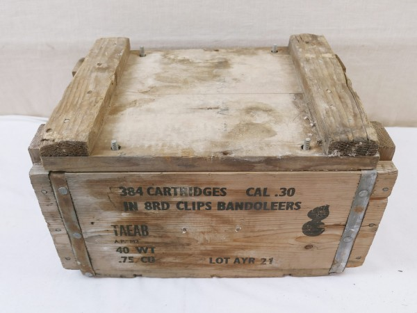 US ARMY WW2 ammunition box Carbine Cal .30 M1 Cartridges 8rd clips wooden box Small Arms
