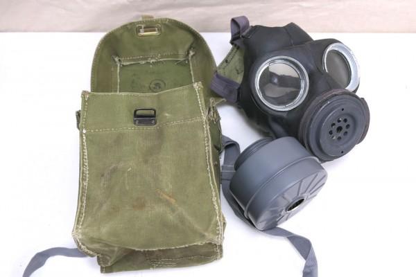 Original WW2 British Army gasmask English gas mask + gas mask bag