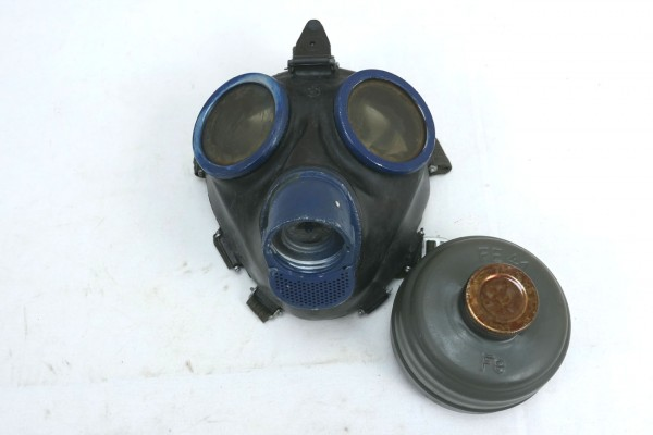 Wehrmacht gasmask 1944 protection mask with filter FE41 and strapping clf blue #2