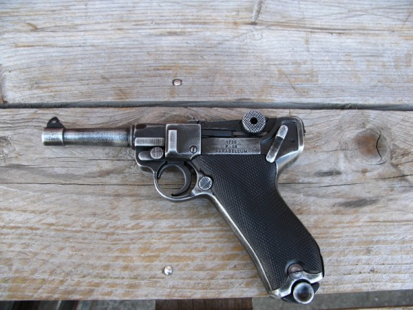 Pistol P08 antique deco model movie weapon