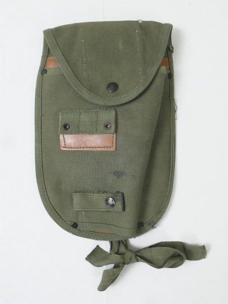 1x TYPE US ARMY Vietnam M-1956 LCE E-Tool Carrier pouch / flap patent pocket