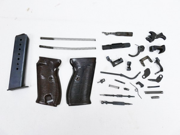 Convolute grips magazine and spare parts for Wehrmacht pistol P38 9mm
