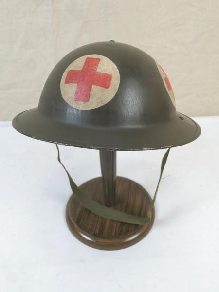 Type WW2 paramedic plate helmet British steel helmet Gr.55 with chinstrap British Army