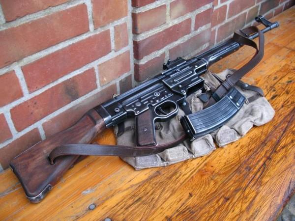 Assault Rifle 44 Stgw antique deco model movie weapon