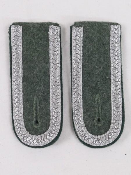 1x pair of Wehrmacht shoulder pieces Grenadier M40 NCO epaulettes Uffz