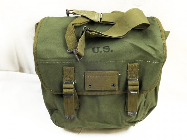 US Army Musette Bag J.A. Shoe 1944 with carrying strap