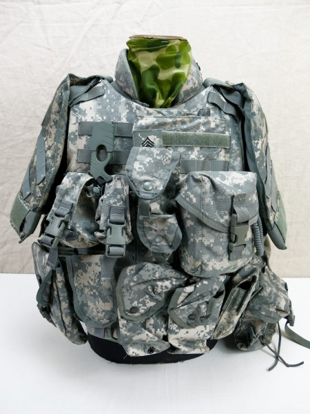 US ARMY Point Blank Body Armor INTERCEPTOR Base Vest with Softshell and 2x Hardshell Armor