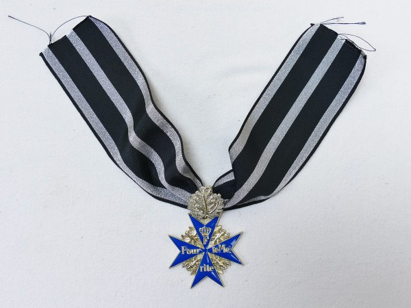 Order Pour le Mérite with oakleaf on ribbon / Blue Max