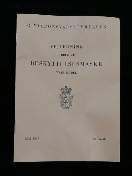 Manual Danish User - Handbook for the Handling of the Gas Mask of the Wehrmacht 1965