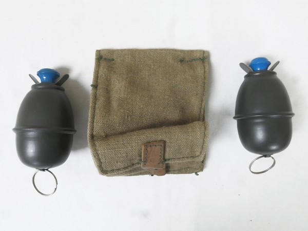 2x egg hand grenade M39 Wehrmacht DEKO 1:1 / fuse imitation unscrewable with booty coupling bag
