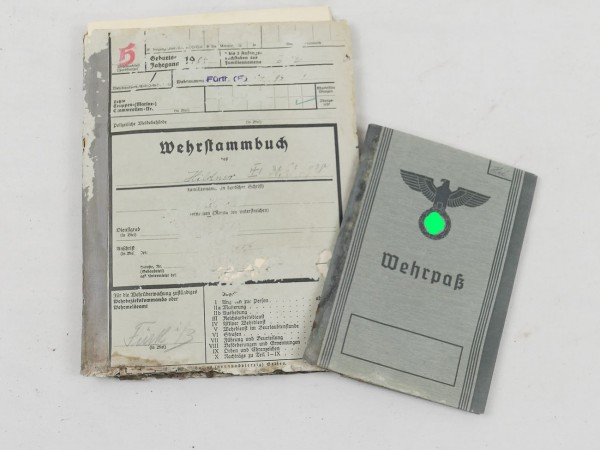 Military record book with pay book and health sheet 1937