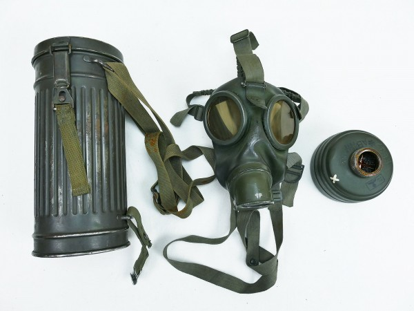 Wehrmacht original gasmask and filter in gasmask box 1939 with strapping #5