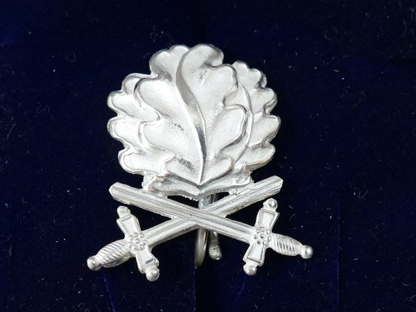 L/21 oak leaves in 800 silver with swords to the Knight's Cross of the Iron Cross 1939 RK
