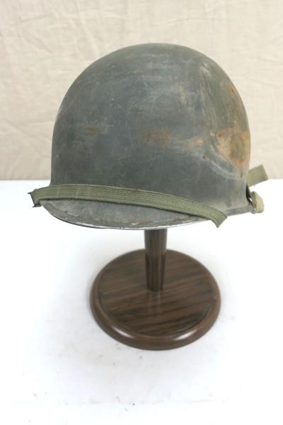 US Army type WW2 M1 helmet steel helmet complete bell inside helmet chinstrap