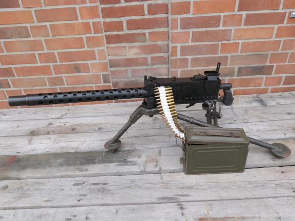 Machine Gun MG US Browning Cal .30 + Tripod + MG Case + Ammunition Strap