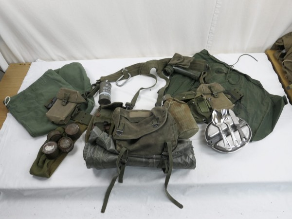 US Army M-1956 Vietnam Storm Luggage - Extensive Pistol Belt Equipment Baggage