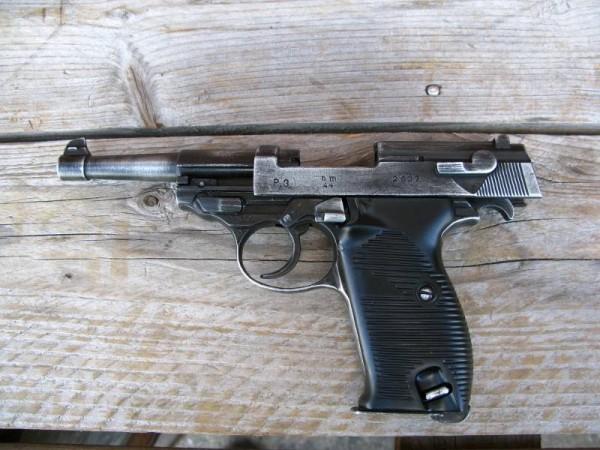 Pistol P38 antique deco model movie weapon