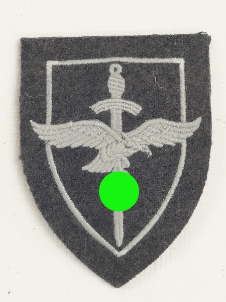 Luftwaffe sleeve badge for anti-aircraft assistants / collectors production
