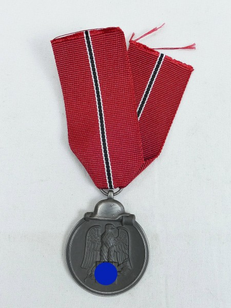 Winter Battle in the East 1941/42 Medal Ostmedaille on ribbon