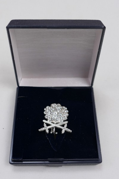Oak leaves with swords to the Knight's Cross RK in 900 silver with diamonds