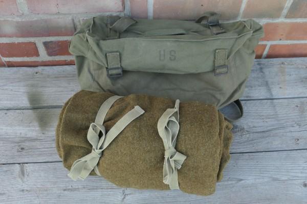 Original US Luggage - Combat Bag Pack Field Cargo M-1945 with WW2 US Sleeping Bag Wool