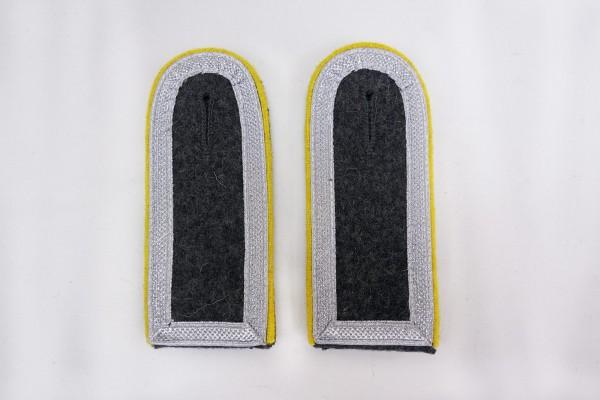 1x Pair of Shoulder Boards Luftwaffe Sergeant Major