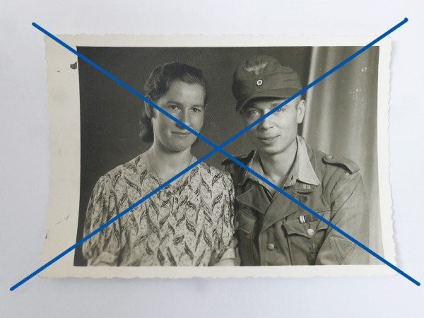 Portrait Photo Africa Corps Corporal Private 1st Class Soldier with tropical blouse and awards together with wife 9.7 x 14
