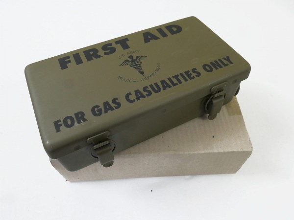 US ARMY First Aid Kit Box for GAS CASUALTIES First Aid Kit Jeep Motor Vehicle