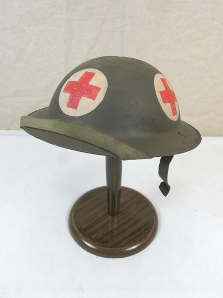 Type WW2 paramedic plate helmet British steel helmet size 57 with chinstrap British Army