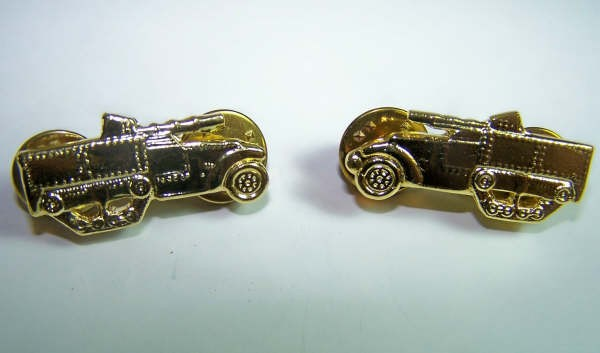 US Army tank destroyer pair collar badges