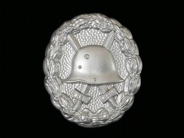 Wounded badge level silver 57er variant