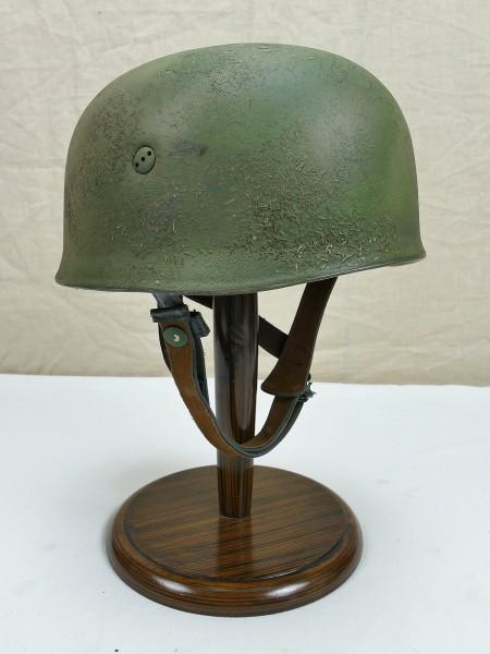 WW2 M38 paratrooper helmet camouflage air force FJ steel helmet from museum resolution