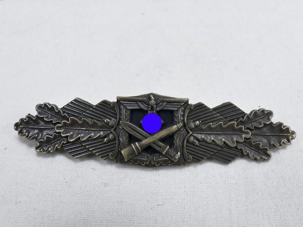 Wehrmacht Nahkampfspange Army Level Bronze