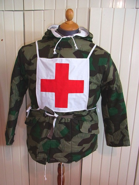 Wehrmacht paramedic medic red cross uniform marking chest back red cross