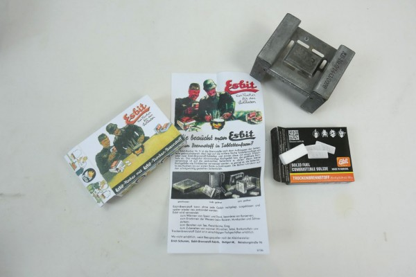 Complete set type Wehrmacht fuel stove with dry fuel and instruction manual