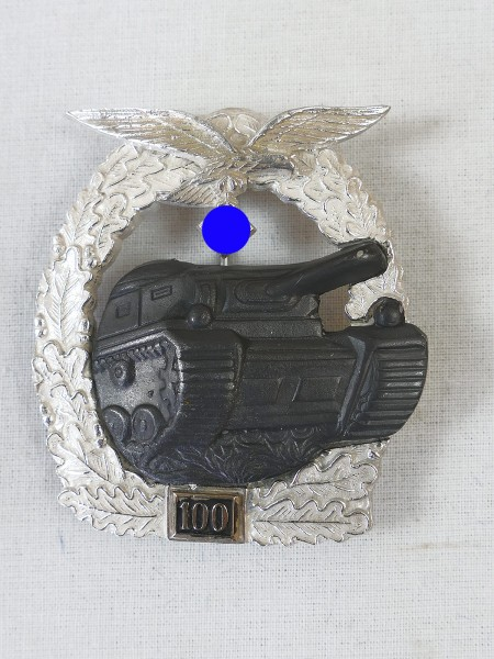 Tank combat badge of the air force with mission number 100