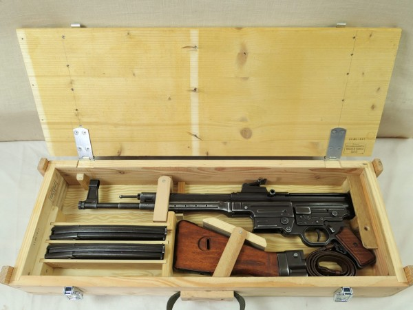 Wehrmacht MP44 wooden crate transport case assault rifle StGw44 wooden crate WK2