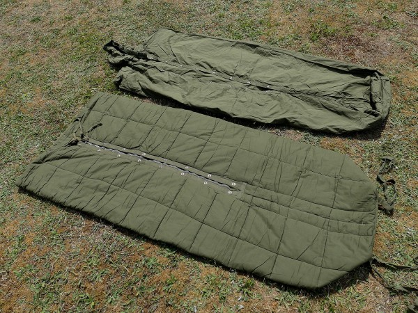 US Vintage Army Korea Vietnam Sleeping Bag with Sleeve / sleeping bag + cover TYP2