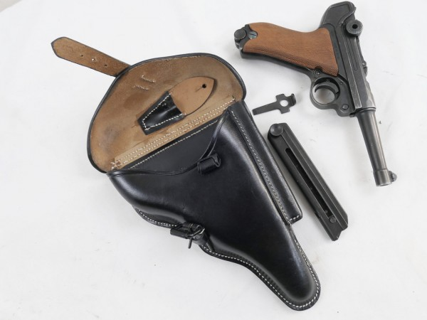 WW2 Wehrmacht pistol P08 Mauser with leather holster reserve magazine + 08 key / decoration