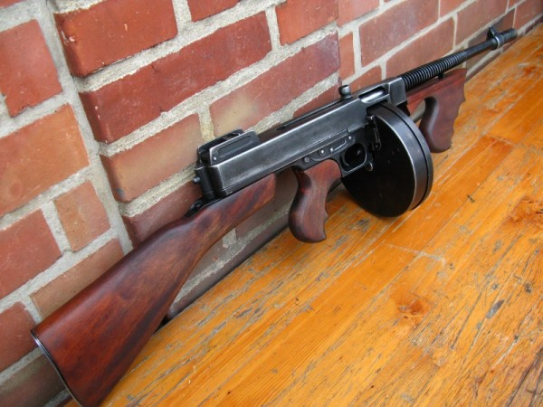 US Army Thompson M1928 antique deco model movie weapon