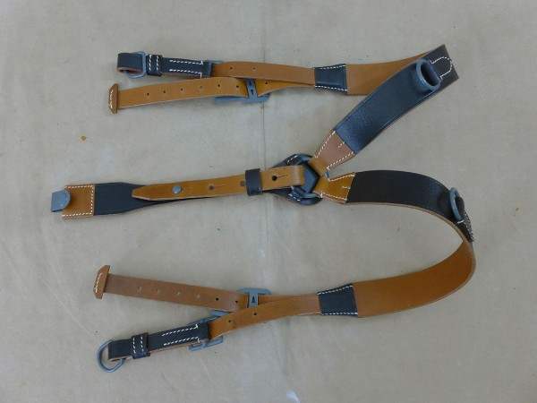 Wehrmacht Y-Strap Leather Belt Stretcher