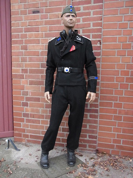 Example for an Elite tank uniform according to a template / script / film props