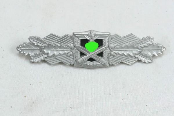 Close Combat Clasp Level Silver
