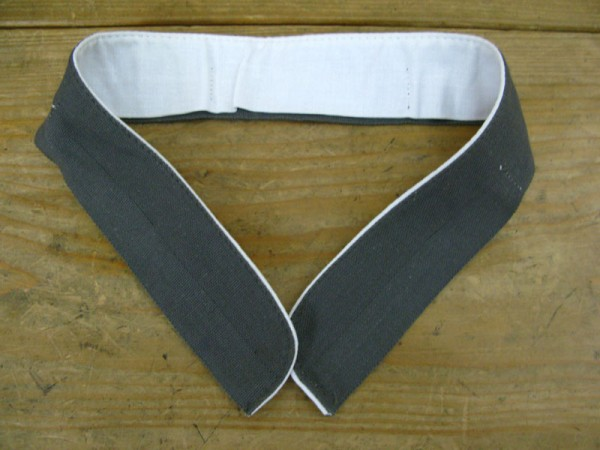Wehrmacht field blouse collar bandage